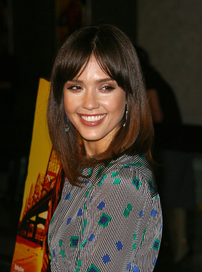 Which hair color looks better on Jessica Alba blonde or brown?