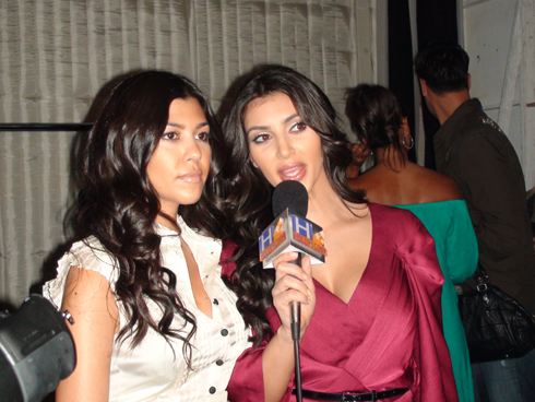Kim Kardashian and sister Kourtney Kardashian from Keeping Up With The ...