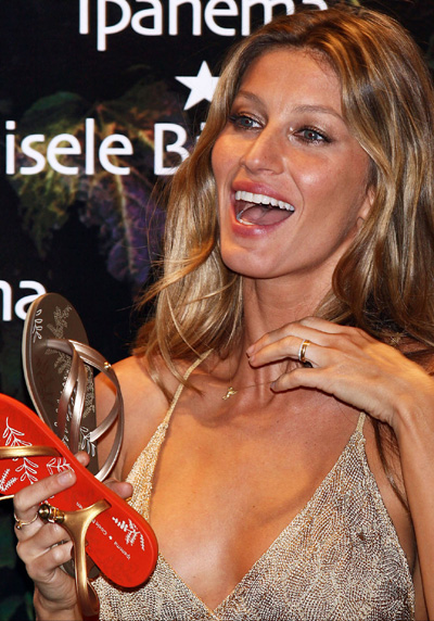 gisele bundchen hair. Here is Gisele Bundchen