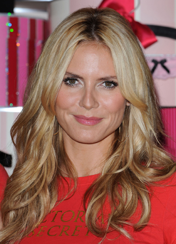 This is Heidi Klum in her long layered hair style:
