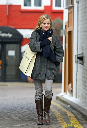 The star of the film Four Chirstmases, Reese Witherspoon, is captured in